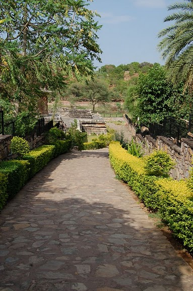 Храм Нагда - Nagda Sahasra Bahu temple 25695