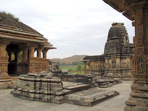 Храм Нагда - Nagda Sahasra Bahu temple 86009