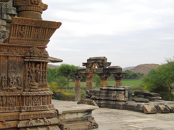 Храм Нагда - Nagda Sahasra Bahu temple 99127