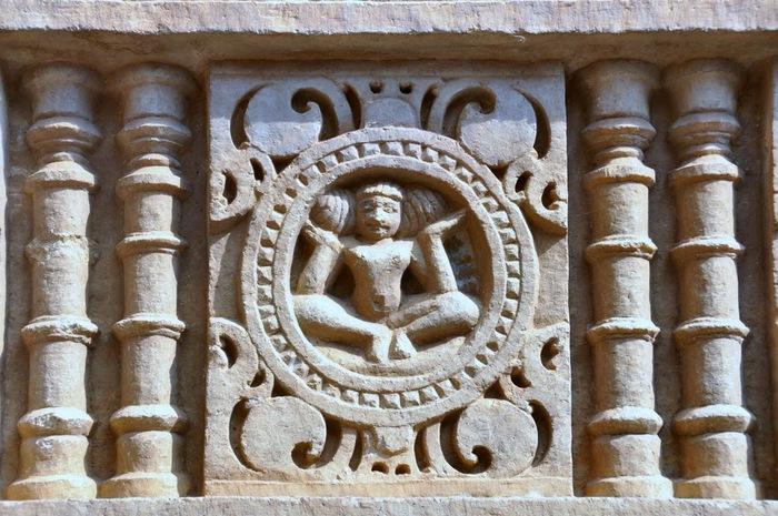 Храм Нагда - Nagda Sahasra Bahu temple 68341