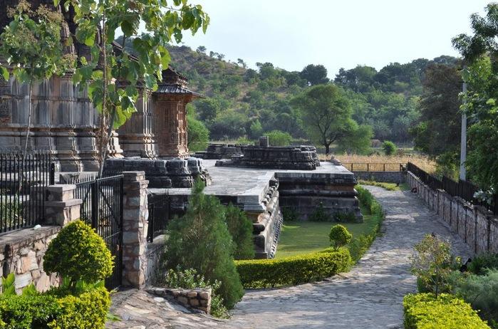 Храм Нагда - Nagda Sahasra Bahu temple 68848