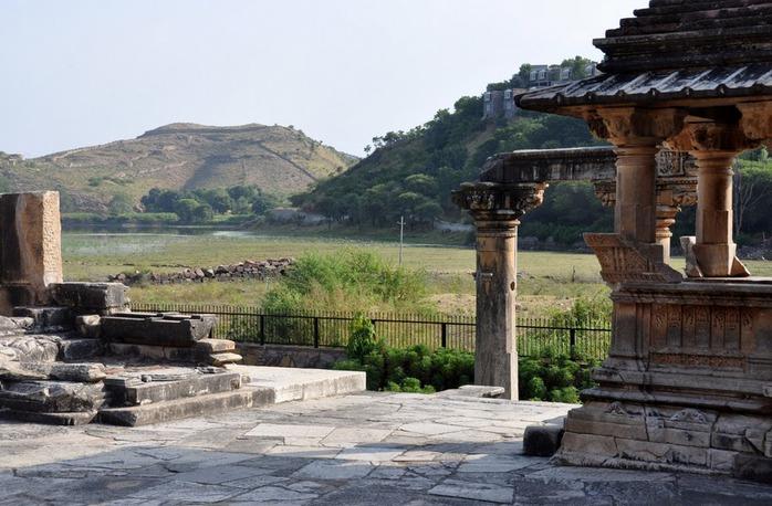 Храм Нагда - Nagda Sahasra Bahu temple 23151