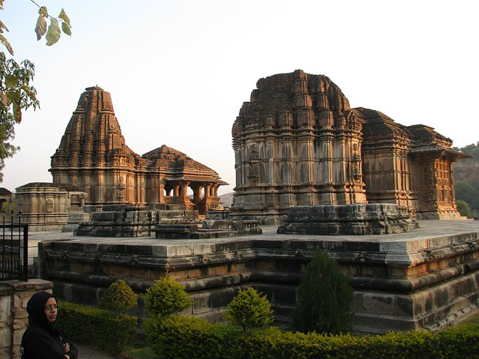 Храм Нагда - Nagda Sahasra Bahu temple 90333