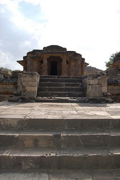 Храм Нагда - Nagda Sahasra Bahu temple 57984