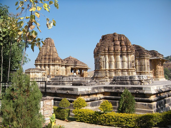 Храм Нагда - Nagda Sahasra Bahu temple 31432