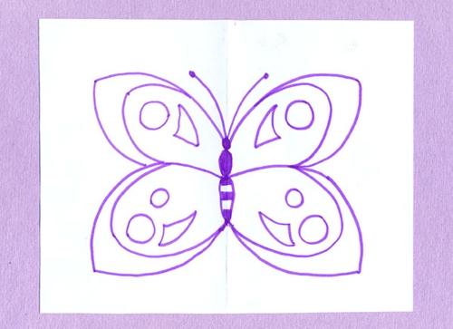 рисуем бабочку.