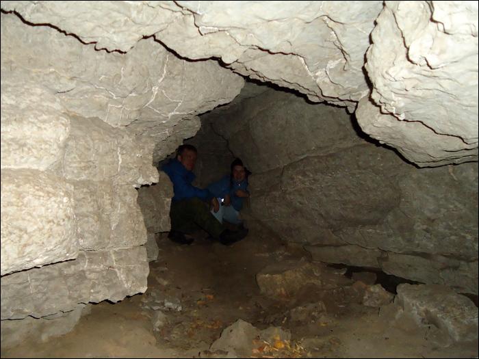 43 - в пещере (700x525, 243Kb)