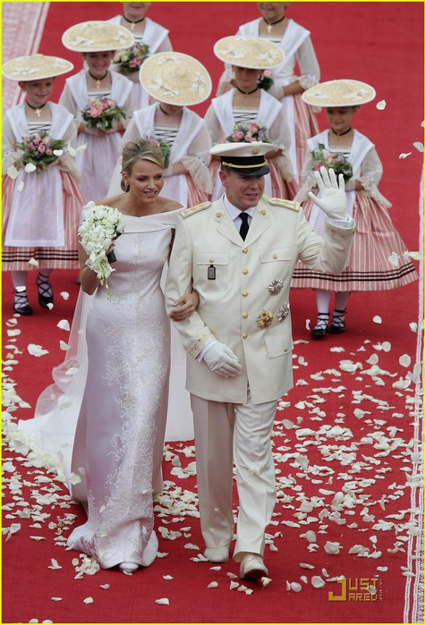 prince-albert-princess-charlene-royal-wedding-19 (476x700, 117Kb)