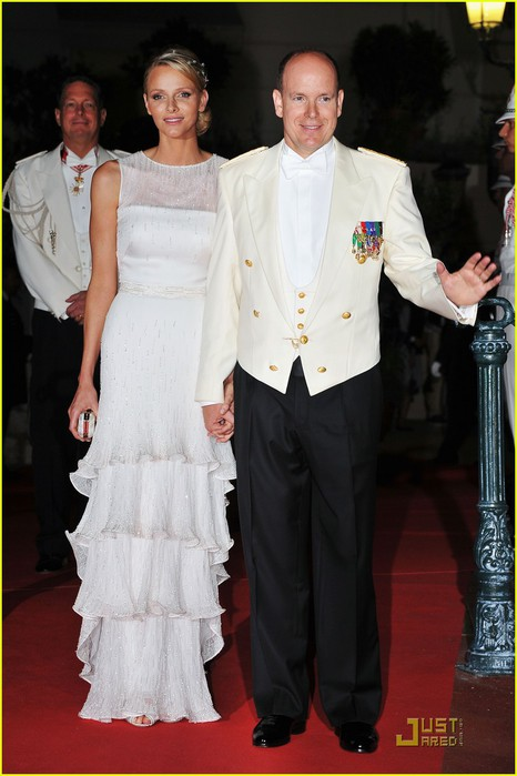 prince-albert-princess-charlene-wedding-dinner-fireworks-01 (466x700, 73Kb)