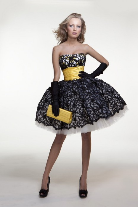 Где купить платье на девочку 8
