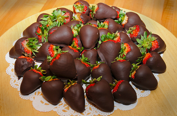 Chocolate Covered Strawberries  Flickr - Photo Sharing! (570x374, 568Kb)
