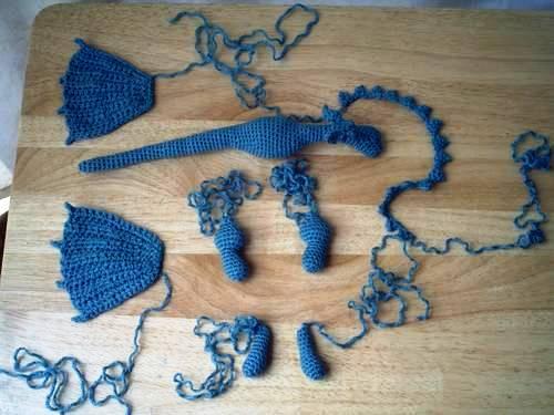 Несколько прикольных драконов и дракончиков, связанных крючком.  Без схем.  Драконы, связанные крючком.