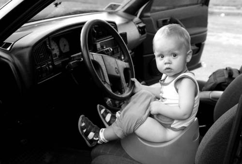 "Результат пошуку зображень за запитом ""дитина за рулем машини"""