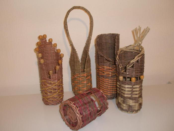 Плетения из газетных трубочек подставки