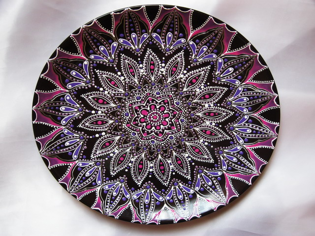 Purple blossoms on a dark 009 (640x480, 156Kb)