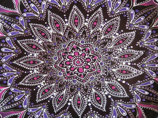 Purple blossoms on a dark 056 (640x480, 206Kb)
