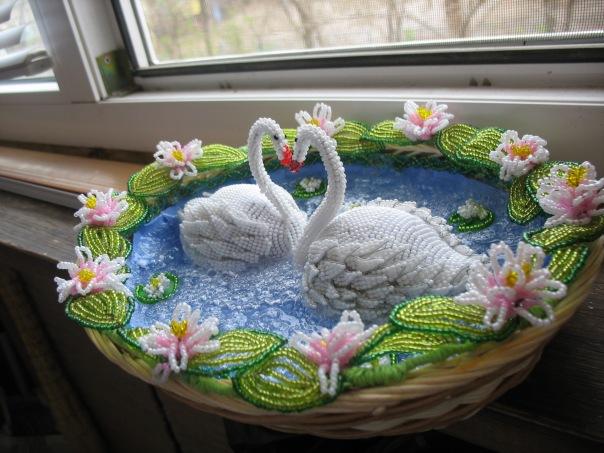 Лебеди из бисера: схема с