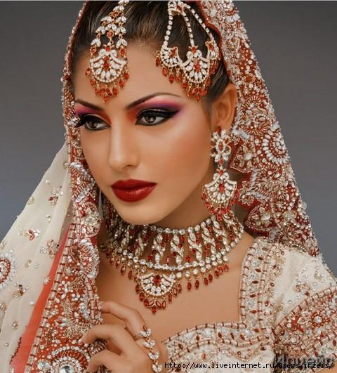 Советы макияжа для девушек с восточной внешностью