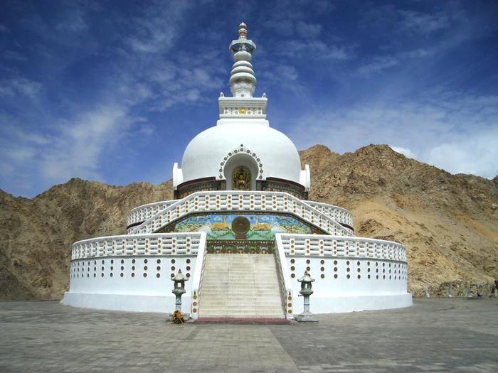shanti_stupa_leh (700x525, 136Kb)