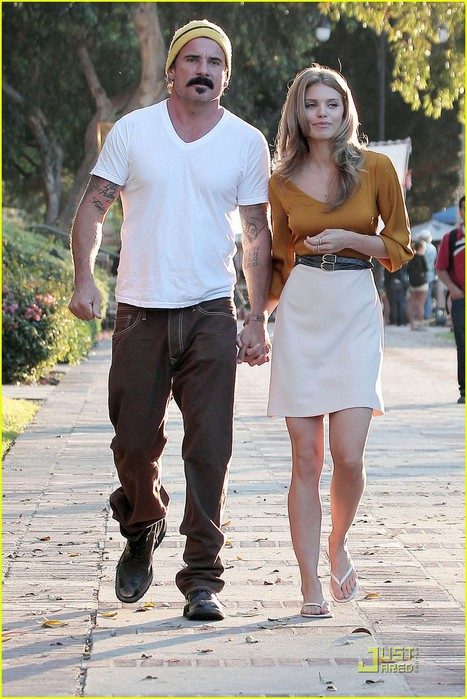 annalynne-mccord-dominic-purcell-new-couple-01 (467x700, 113Kb)
