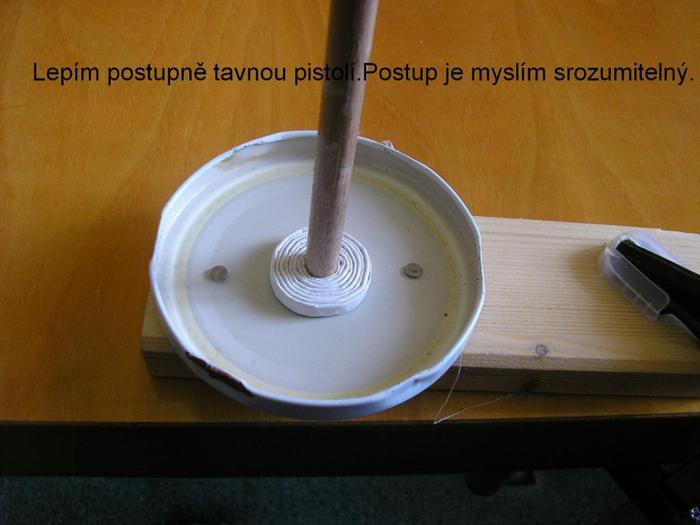 Декоративные кашпо-коляски из газетных трубочек (8)