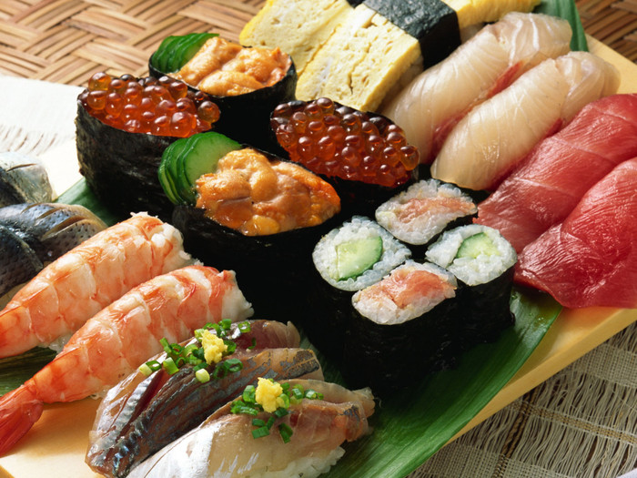 70484433_1297346362_Food_Seafood_Sushi_r (700x525, 155Kb)