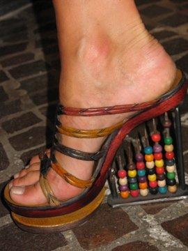 1.1217665500.more-crazy-shoes (270x360, 22Kb)