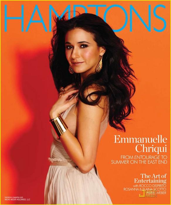 emmanuelle-chriqui-hamptons-01 (583x700, 84Kb)