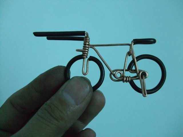 Макет велосипеда из проволоки