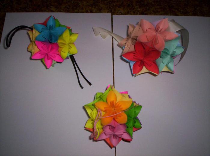 Цветы из сложенной бумаги своими руками