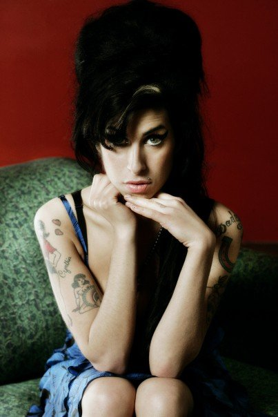 Умерла британская певица Эми Уайнхаус (Amy Winehouse)/2822077_amy_winehouse091 (403x604, 38Kb)