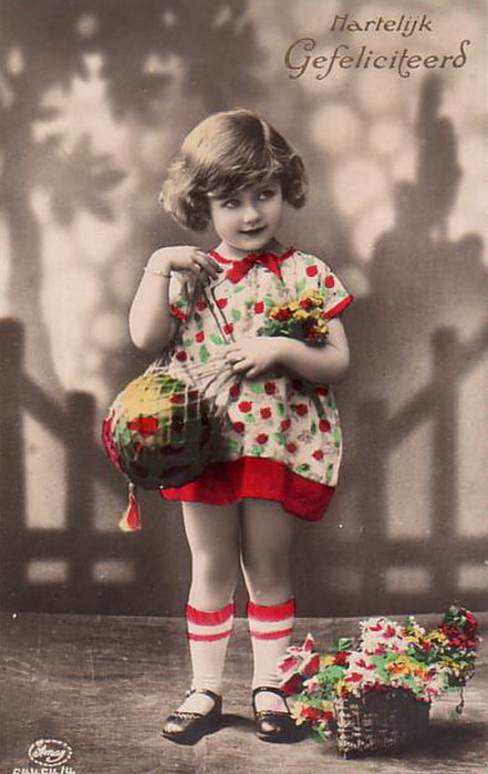 Cute-little-girl-in-short-red-skirt-Vintage-Picture-Postcard (441x700, 86Kb)