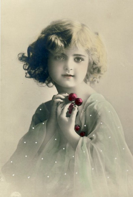 Cute-young-girls-with-cherries-Vintage-postcard (450x664, 65Kb)