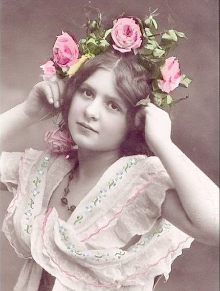 Pretty-Victorian-Young-Lady-Tinted-Vintage-Postcards (450x594, 90Kb)