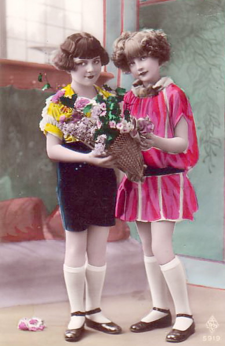 Two-young-friends-Kids-Vintage-Postcards (450x692, 94Kb)