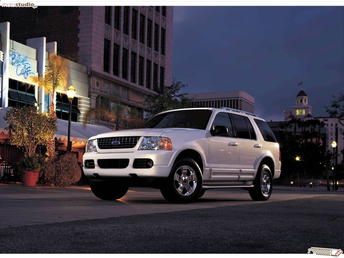 Ford_Explorer_2003_800x600 (700x525, 134Kb)