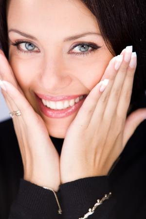 3750311_woman_cosmetic_300 (300x449, 39Kb)