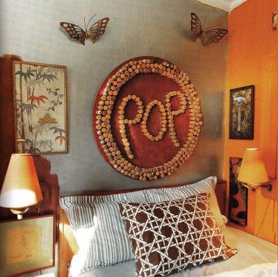 Из корковых пробок можно сделать очень много разнообразных полезных для дома и красивых в плане декора вещей.