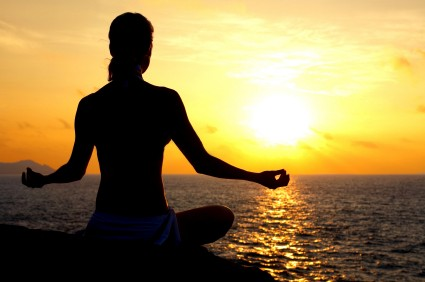 Meditation-Sunset-Beach-e1284753741535 (425x282, 24Kb)