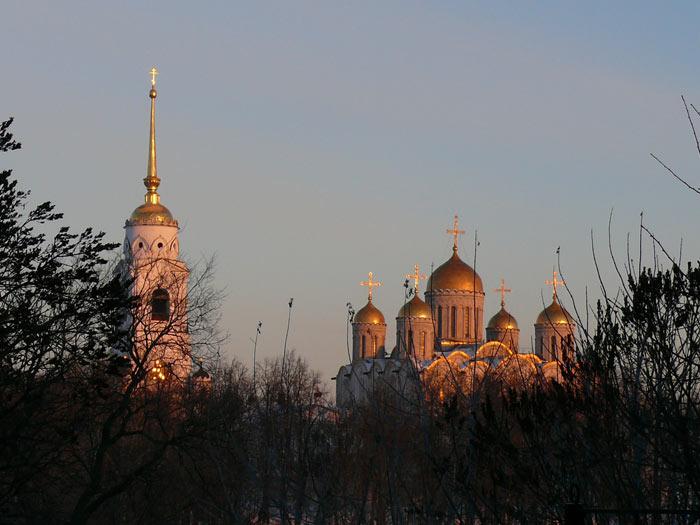 4498623_Yspenskii_sobor__glavnii_vo_Vladimire_ (700x525, 64Kb)