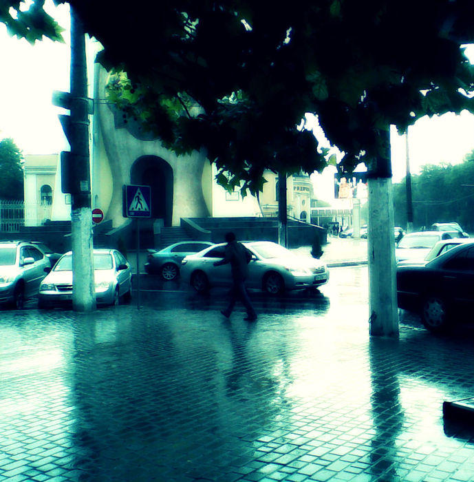 онюа церковь дождь