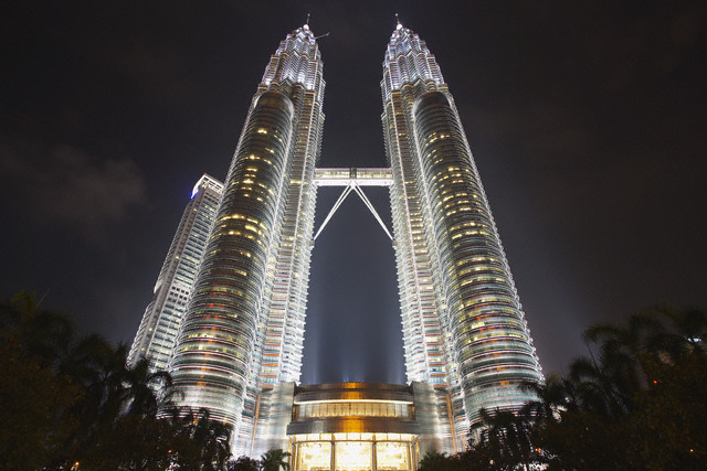 3996158_PetronasTower (640x427, 88Kb)