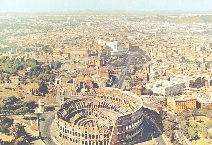 3972648_Roman_Colosseum1 (700x479, 151Kb)