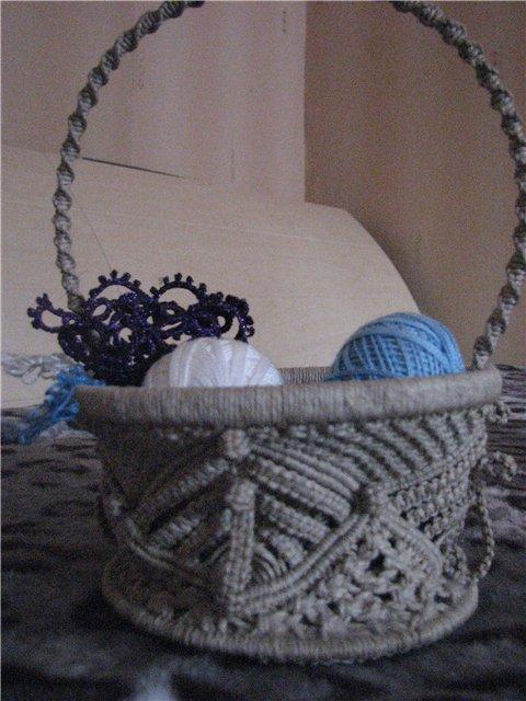 Макраме.  Техника этого узелкового плетения известна ещё с древности, ещё с первого завязывания узлов на каменном...