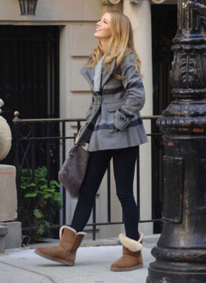 blake-lively-uggs (300x413, 28Kb)