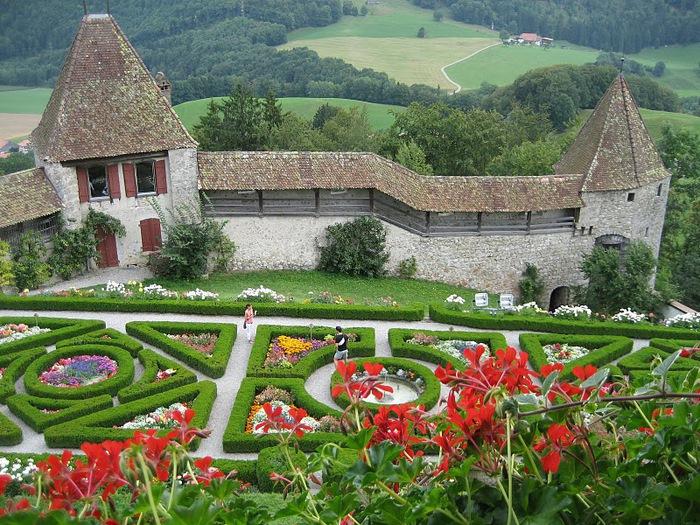 Замок графов де Грюйер (Chateau de Gruyeres) 40248