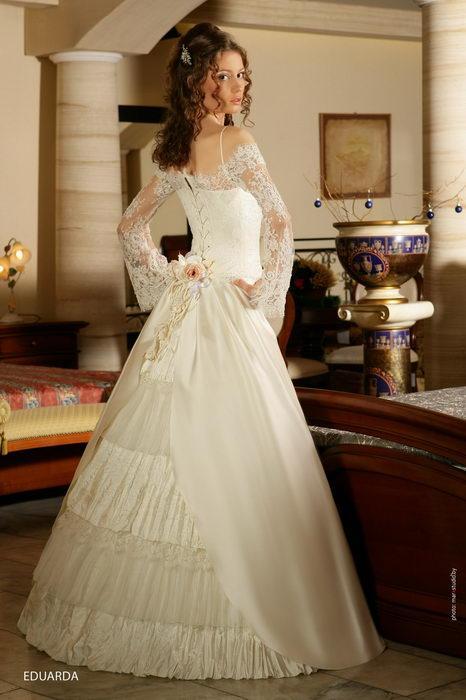 Самые красивые свадебные платья. всегда имели особый смысл и...