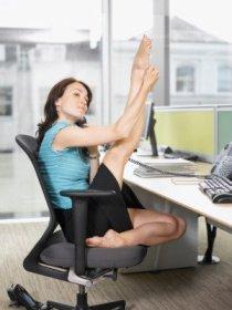 фитнес в офисе (210x280, 13Kb)