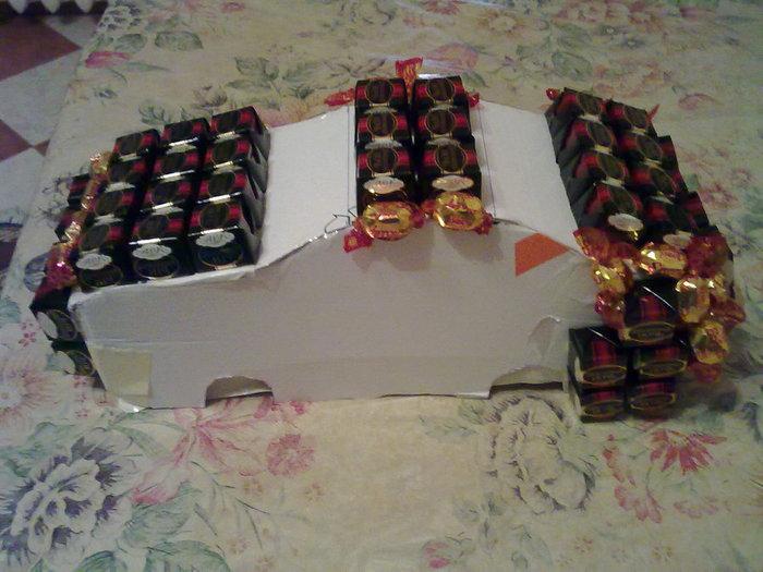 Сделать машину из конфет