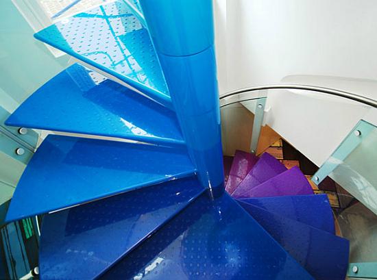 Дизайн квартир - фотографии радужного интерьера/2822077_TheRainbowHouseLondonbyABRogersDesign21 (550x409, 180Kb)